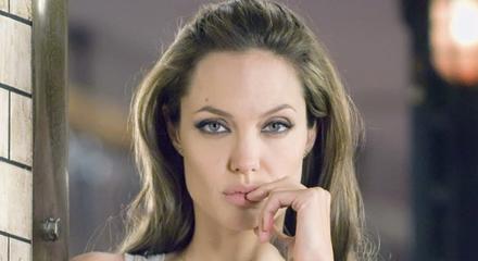 Анджелина Джоли: Особо опасна